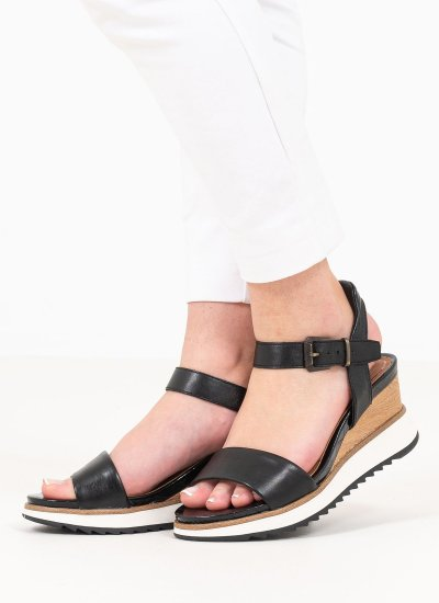 Women Platforms Low 28015 Black Leather Tamaris